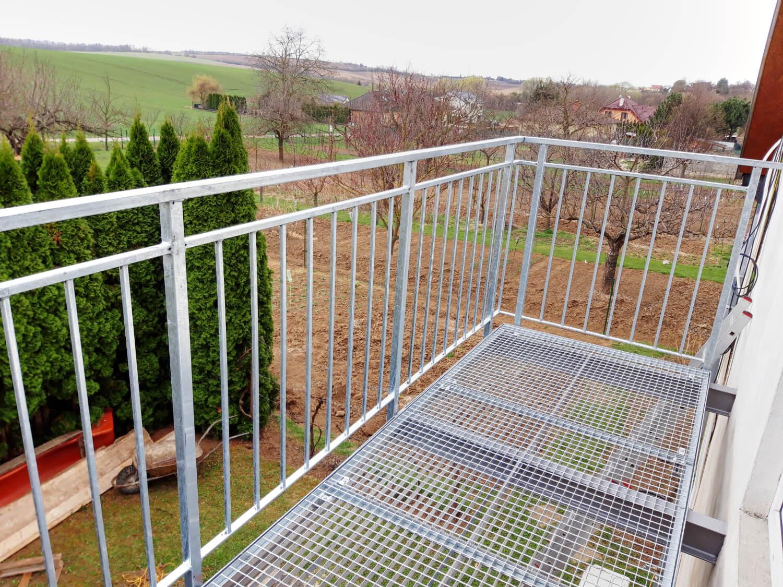 pozinkovany-balkon